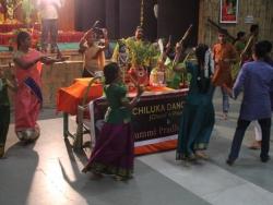 Gummi Pradakshina, vetti valapu song (18)