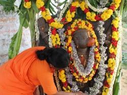 hanuman-chalisa-sloka-prathishta-35