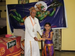 hanuman-chalisa-competition-at-velacherry-centre-27-7-2014-5